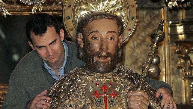 felipe-abrazo-apostol-santiago