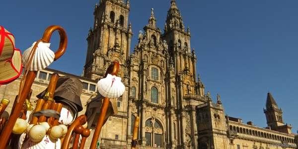 Rituales de los peregrinos al entrar en la Catedral