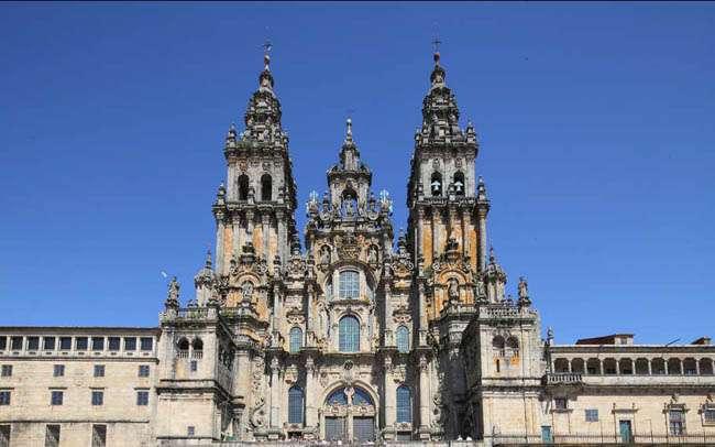 Cultura en el Camino: la Plaza del Obradoiro y sus edificios