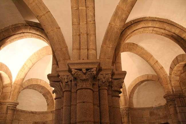 Un recorrido por la Catedral de Santiago de Compostela: su cripta (1ª parte)