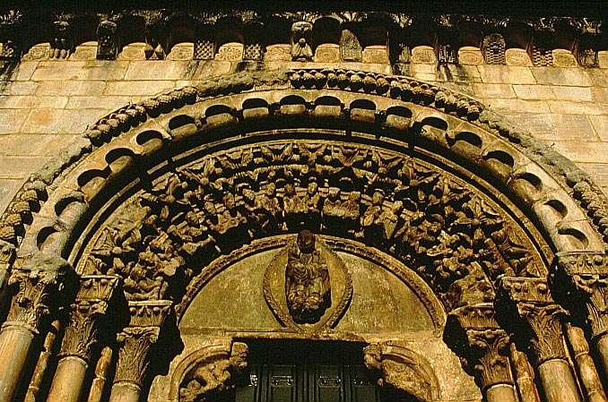 Decoración de la puerta principal