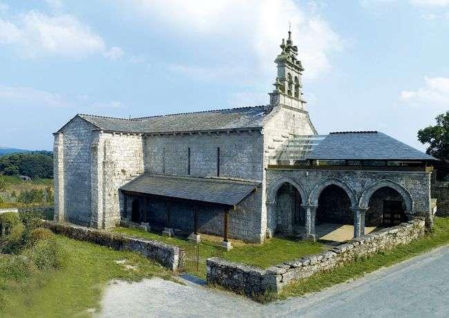 Paisajes en el Camino: Vilar de Donas y su monasterio.