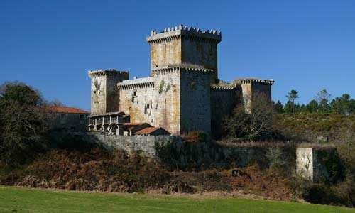 Paisajes en el Camino: Palas de Rei y el castillo de Pambre.