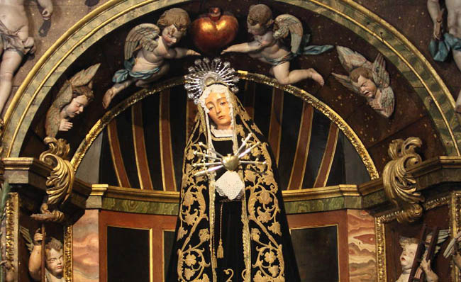 Un recorrido por la Catedral de Santiago de Compostela: capillas de la nave principal y del crucero (4ª parte).